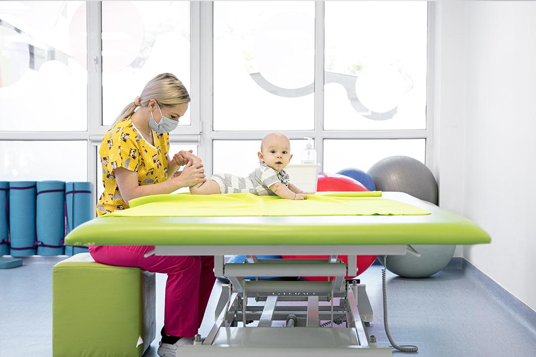 academia-de-masaj-curs-masajul-bebelusușui10
